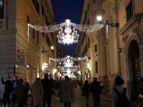 Luci di Natale per le vie di Roma