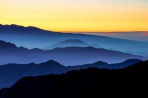 Le luci dell'alba sul Maniva