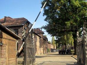 Auschwitz: entrata al campo di concentramento e sterminio