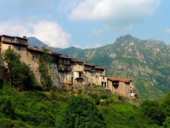 Valsabbia piccoli borghi un bando contro lo spopolamento for Piani di casa bassa architettura del paese