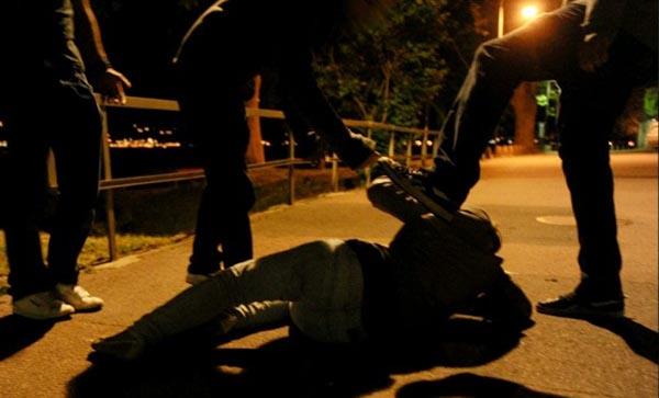 Brescia, giovane aggredito davanti ad una discoteca: è gravissimo